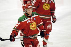 Mora IK vill ha Daniel Hermansson och klubbdirektrören Peter Hermodsson försöker sy ihop den ekonomiska biten för att få den Borlängebördige före detta Leksandsspelaren till MIK.