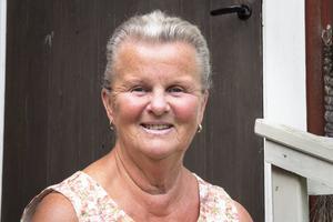Snart går Elsa Knutsson i pension och ska ägna sig åt barnbarn, barnbarnsbarn, åt handarbeten och åt släktforskning.