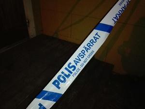 Polisen har spärrat av på platsen.