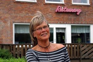 Ingrid Hammarberg, föreståndare för Forum i Ljungaverk tvingas stänga restaurangen eftersom det är för få gäster.