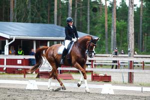 Therese Tällberg, Bollnäs, red in som tvåa i medelsvår C med fina 72,66 procent.