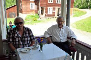 Boris Nordlund och Hans-Erik Näsman uppskattade tårtorna.   Jag åt nästan för mycket, säger Hans-Erik Näsman.