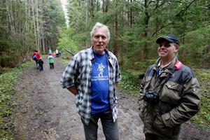 Theo Overeem och Kjell Jansson njuter av den häftiga och orörda natur som Lugnesjöområdet bjuder på.