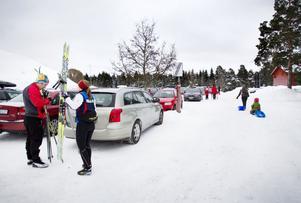 Det vackra vintervädret har lockat många till Hemlingby de senaste veckorna.