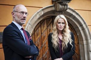 Jan Karlsson och Elsa Svalsten, den så kallade Torpedens försvarare, får vänta till slutet av sommaren på domen.