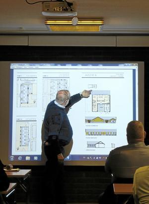 Förslag. Arkitekten Stefan Bofeldt visade ett förslag på hur nyproducerade lägenheter i Laxå centrum kan se ut.