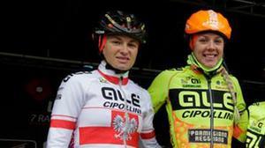 Emilia Fahlin (till höger) med lagkompisen Malgorzata Jasinska.