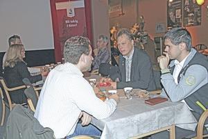Enklare kommunikation mellan kommun och företag som kan bidra med tjänster är ett skäl till de återkommande frukostmötena. Kommunalrådet Abbe Ronsten (S) deltog under det senaste mötet.