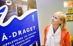 Full fart vid Gavleån.  Kultur & fritids informationschef Marie-Louise Andersen. Kommunen har en vision om att göra Gavleån till en levande pulsåder i centrum.