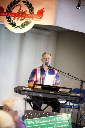 Mr Hammond music, eller Anders Berggren om man så vill, släppte nyligen sin andra skiva