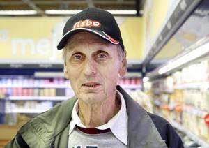 Tord Persson, Ilsbo.–Nej, det gör jag inte. Jag äter älgkött. Jag handlar lika som förut.