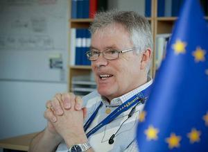 Christer Siwertsson (m) och Nya moderaterna vill införa en kriskommission för att ordna upp landstingsekonomin.