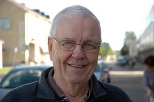Sven Lindberg, 76 år, pensionär, Tierp:– Det är konstigt. Jag kan inte förstå hur de kan komma på idén helt enkelt.