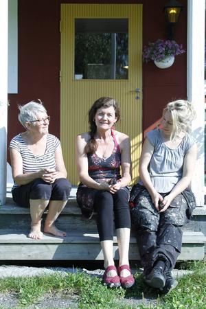 Birigtta Larsson, Ulrika Krohn Örn och Janina Stoor är några av de konstnärer som ställer ut på galleri Per Jens i Jättendal.