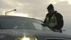 Polisen stoppade en man utan körkort på riksväg 70. Bilden är tagen vid ett annat tillfälle.