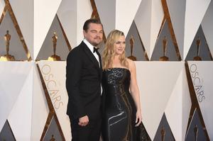 Leonardo DiCaprio anlände till galan tillsammans med Kate Winslet.