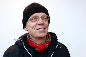 Jonas Forsling, Borlänge, har inte märkt av kontantstoppet på bussarna men tycker att det är förståeligt med tanke på chaufförernas säkerhet.