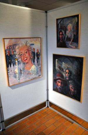 Bo Ek, från Avesta, ställer ut dessa tre konstverk;