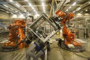 Västerås: Industrirobotar på ABB Robotics som monterar delar till andra industrirobotar