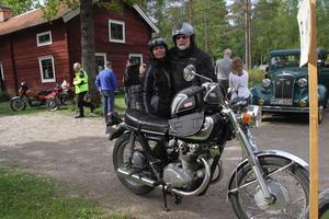 Conny Carlsson, med sin dotter Corinne, deltog i rallyt.