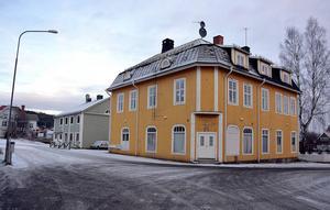 Gamla klädaffären Jönsson & Sten på Köpmangatan 5 kommer att rustas upp.