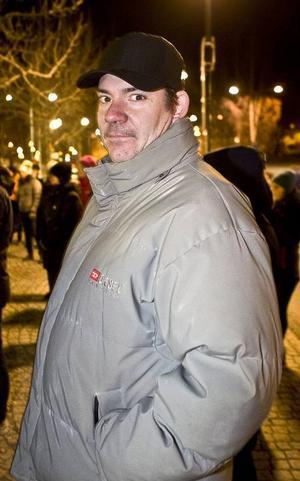 Tomas Jonsson är en av 100 som lovat att cykla till och från jobbet i vinter.