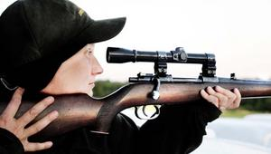 Katarina Olinder jagar räv på sin egen mark.