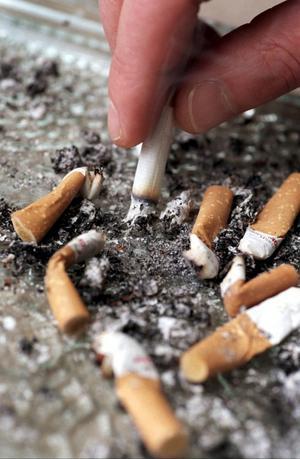 Behovet av sluta röka-hjälp är större än resurserna. Det anser anställda inom vården i Gävleborg.