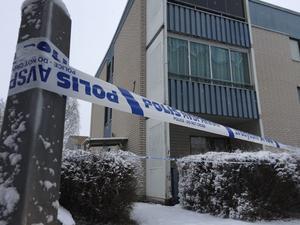 Ett område på Kornstigen på Tjärna Ängar spärrades av efter knivdådet natten till den 10 december 2016. Nu åtalas en man misstänkt för två fall av försök till dråp.