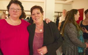 Birgitta Moen och Eva Augustsson gillade mingelkvällen men tyckte att den kvinnliga huvudrollsinnehavaren var ett dumt fruntimmer