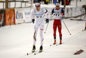 Jesper Modin har haft några tuffa säsonger. I vintras visade han form i några tävlingar, som här vid SM-femmilen i Åsarna. Nu åker han med landslaget till Ruka.