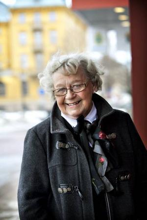 BANBRYTARE. Ingrid Bremberg Stevens var ordförande i länsavdelningen av länsstyrelsernas kvinnliga kontorspersonals riksförening och styrelseledamot i Gävle TCO på 1940-talet, innan hon blev Sveriges första kvinnliga landsortspolis 1950.