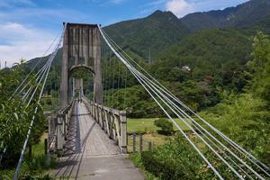 Hängbron av trä i Nagiso är 247 meter lång.   Jörgen Ulvsgärd