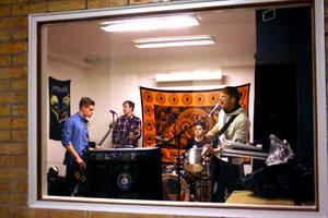 Laxå-bandet The Process, Pontus Lundstedt, Johan Abrahamsson, Joel Bengtsson och Richard Jalakas repar in sina nya låtar.