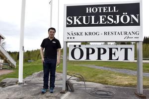 Platschefen Lei Ye har öppnat upp Näske Krog och Skulesjöns Hotell igen.