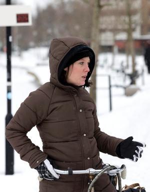 Jessica Nilsson är trött på snön och längtar till sommaren.