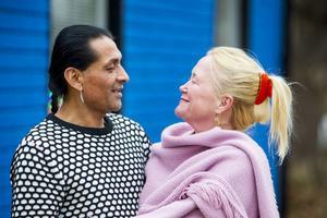 Jorge och Catherine Högman Ramos flydde stressen i Stockholm och hittade sitt drömhus i Bergvik.