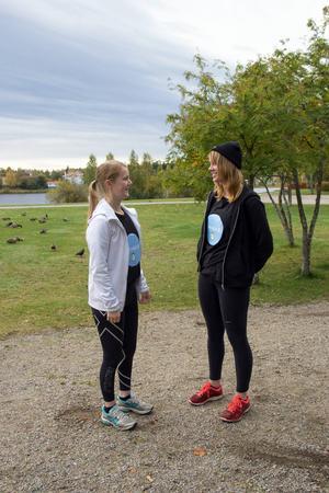 Lina Persson och Emelie Hansson har fått fin respons från idrottsföreningar och klubbar runt om i Bollnäs.