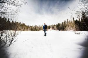 Ulf Petersson ute på det som kan bli begravningsplats.