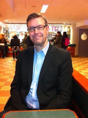 Erik Lövgren är nytt toppnamn för Socialdemokraterna i landstinget.