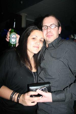 Blue Moon Bar. Paula och Johnny