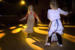 Disko i strålkastarljuset på Folkets hus är roligare än Djävulsfest på Blåkulla.