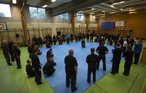 64 personer från hela landet var med på lägret i Åkersviks gymnastiksal.