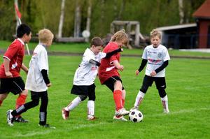 Matchen mellan Pålsboda och Yxhult blev en jämn och tät kamp. Yxhult hade i sanningen namn det vassaste målchanserna, men Pålsbodas målvakt var ännu vassare. När de 20 matchminuterna var slut stod Pålsboda GoIF som segrare.