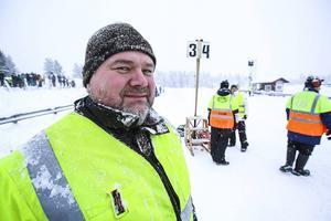 Micke Johansson skulle gärna köra en veteran snöskoter själv, men för några år sedan skadade han ryggen och kan inte köra längre, men intresset finns fortfarande kvar.
