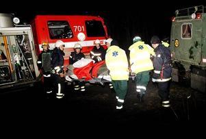 Det tog en timme innan räddningsmanskapet nådde fram till den skadade piloten.Foto: Elisabet Rydell-Janson
