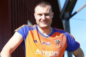 Alen Bahonjic – nöjd mittback och straffskytt när Bollnäs vann på bortaplan.