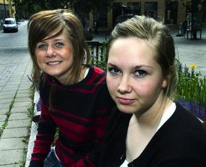 För abort. – Jag är för abort men tycker man ska sänka gränsen till kanske 15:e veckan, säger Rebecka Doverhem (till höger).