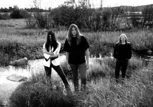 Nirvana 2002 med Orvar Säfström, Lars Henriksson och Erik Qvick i Edsbyn var ett av de riktigt tidiga banden inom dödsmetallen.