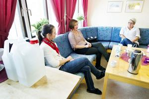 Sofie Granberg, Helena Isaksson och Marie Hansson tycker att skolan klarat vattenproblemen bättre än förväntat.